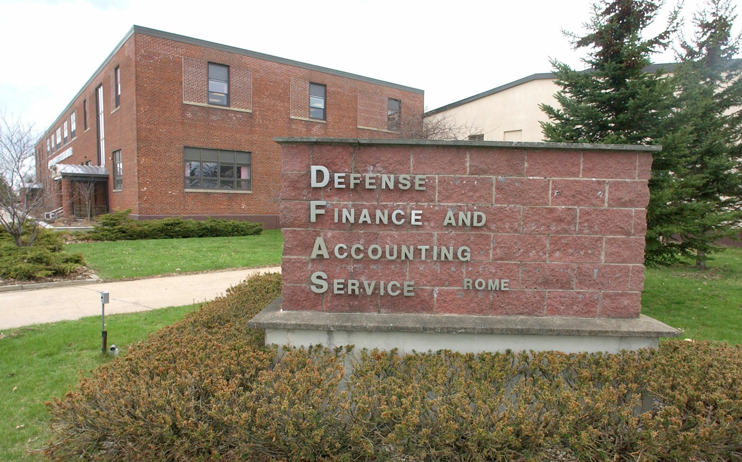 EYE ON AUTOMATION — Defense Finance and Accounting Service union officials say they are  keeping an eye on a potential automation project to boost efficiencies and the potential impacts on the workfoce at the Rome DFAS site at the Griffiss Business and Technology Park.
