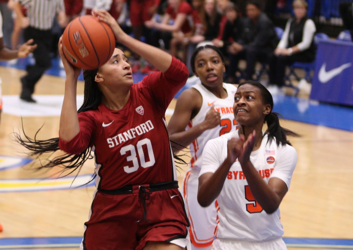 Jump Scores 24 Points As No 3 Stanford Beats No 18