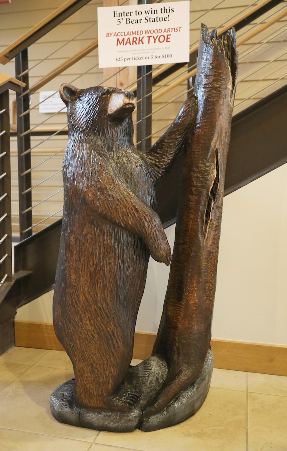 OLD FORGE CLASSIC — Carved bear by chainsaw carver Mark Tyoe