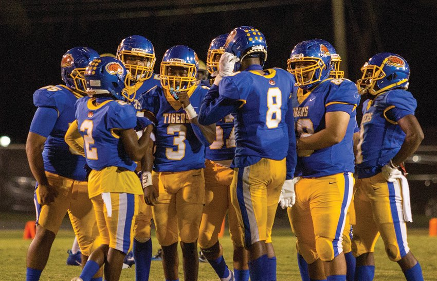 The Clewiston Tigers bounced back from last week's loss to Calvary Christian.