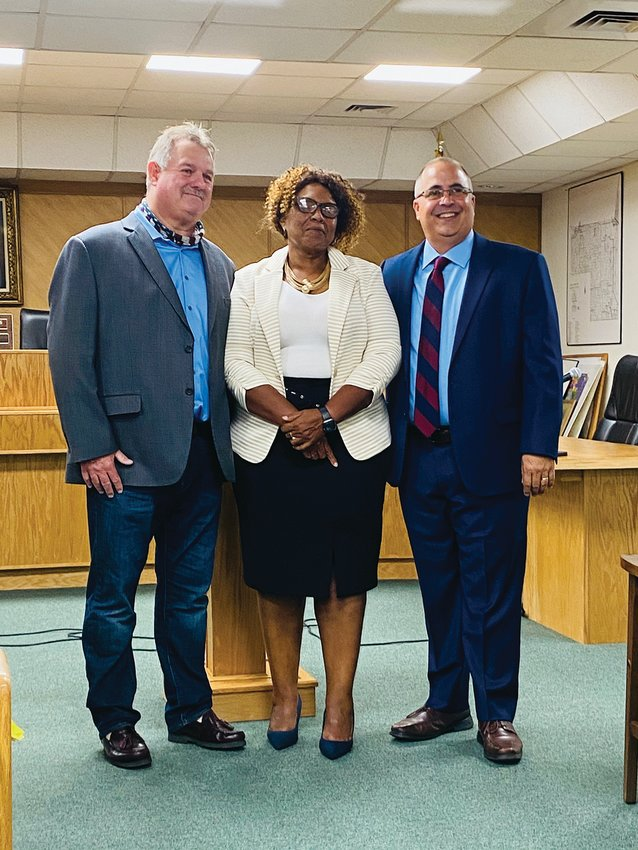 Incumbents Mitchell Wills and Emma Byrd, along with the newly elected Ramon Iglesias, were sworn in as members of the Hendry County Board of County Commissioners on the evening of Tuesday, Nov. 17.