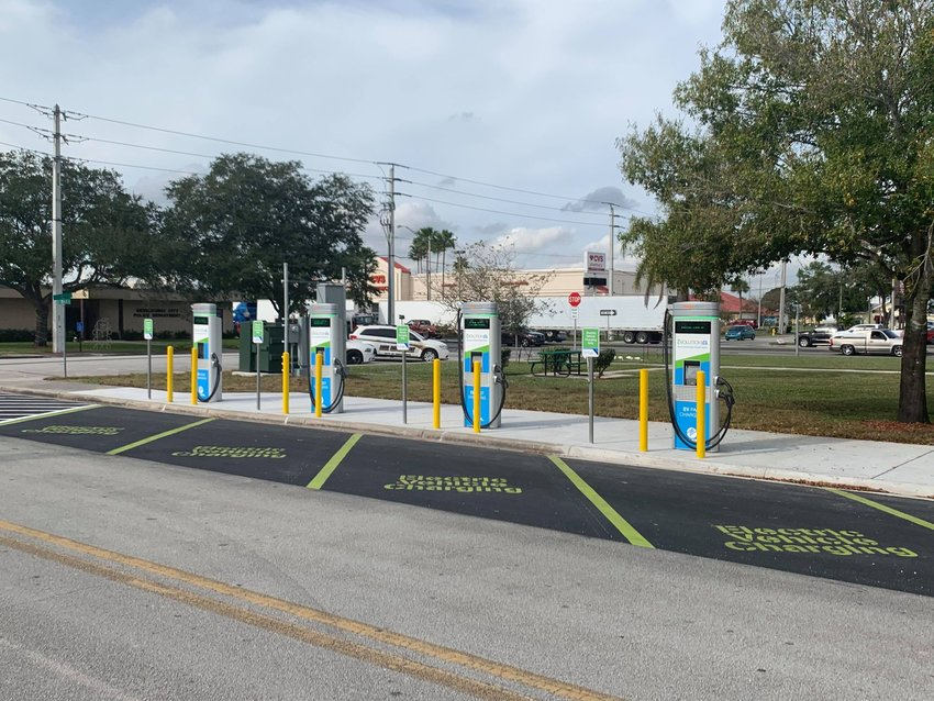 Electric vehicle charging stations are available at City Hall Park.