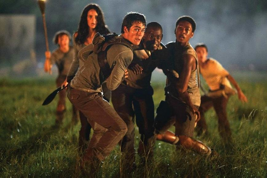 "ed76d0c84 Although ""The Maze Runner"" has an intriguing setting and features an  interesting protagonist"