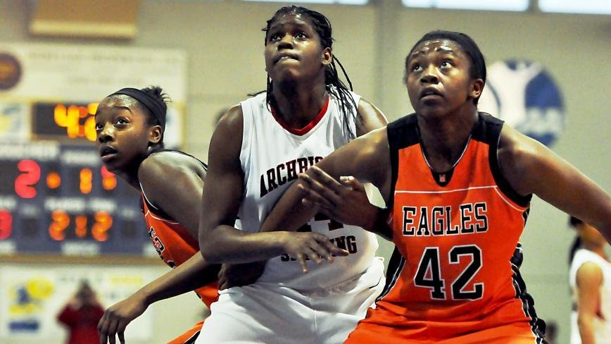 Camille Calhoun battled all night with McDonogh's bigs, finishing with a game-high 10 rebounds.
