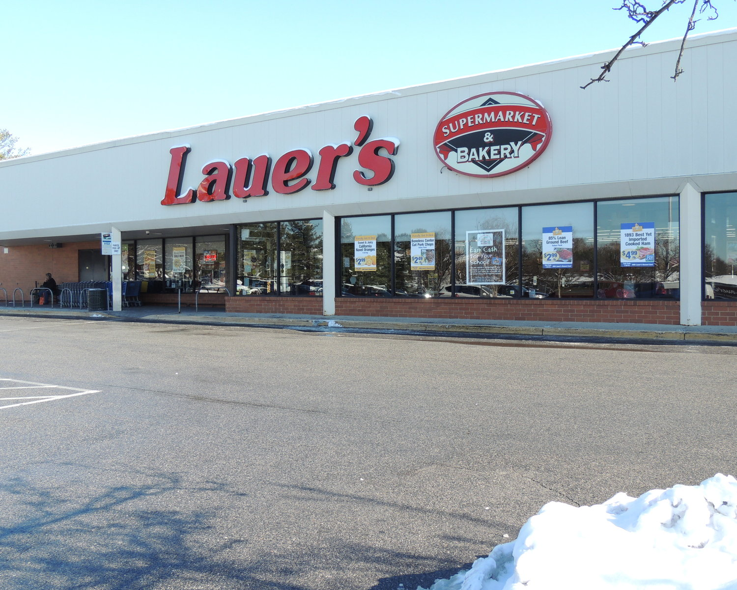 At 40,000 square feet, Lauer's Supermarket & Bakery on Edwin Raynor Boulevard is three times the size of the original store, which was located at the intersection of Mountain and Tick Neck roads.