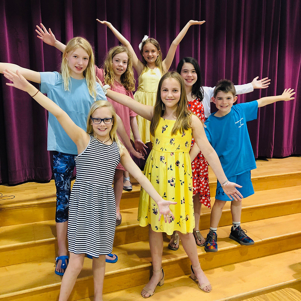 Severna Park Elementary Will Mystify Audiences With Alice In Wonderland Jr Severna Park