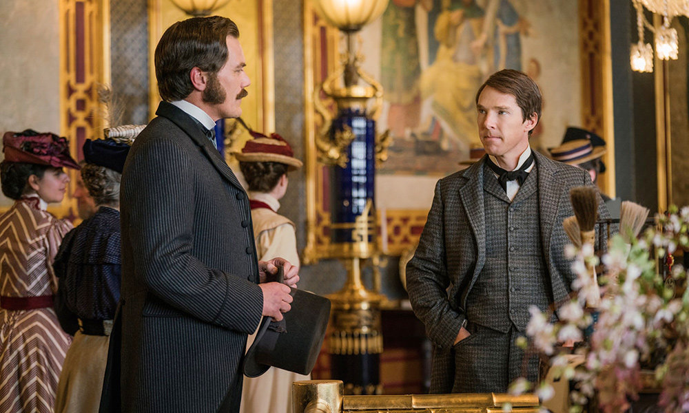 The film presents two powerful and enigmatic figures, Thomas Edison (Benedict Cumberbatch) and George Westinghouse (Michael Shannon), played by talented actors, but neither is fully explored in the time given.