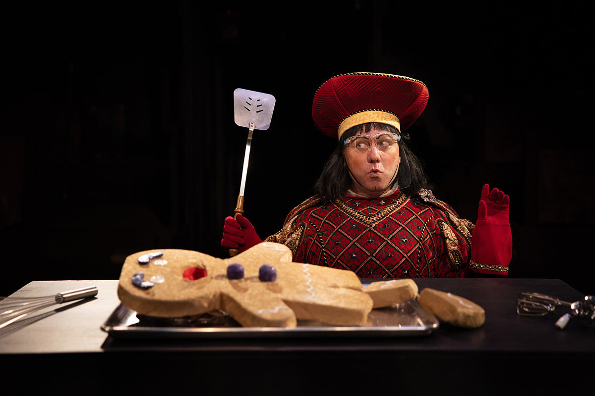 Lord Farquaad is played by Jeffrey Shankle in the Toby's show.