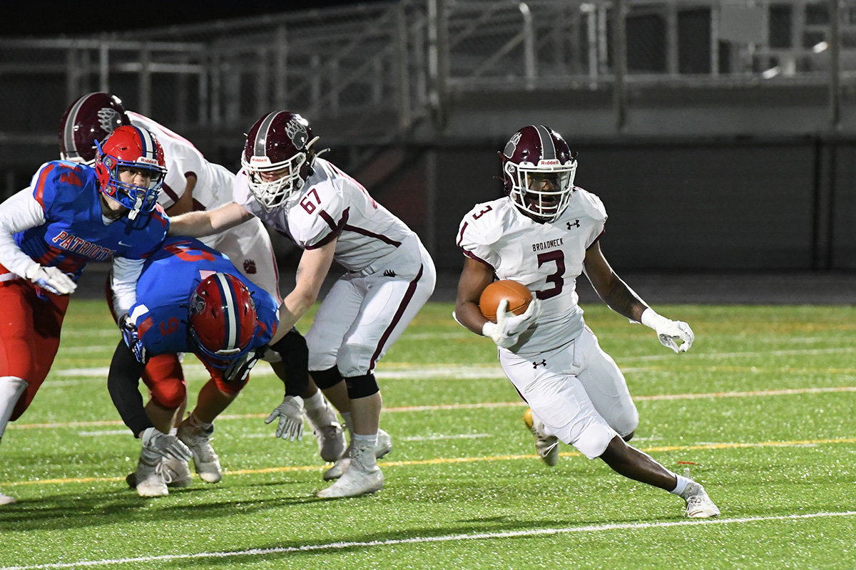 Rashid Proctor rushed for 120 yards in a win over Old Mill on April 1.