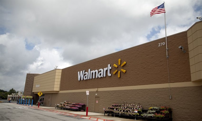 The Seward Walmart from the outside.