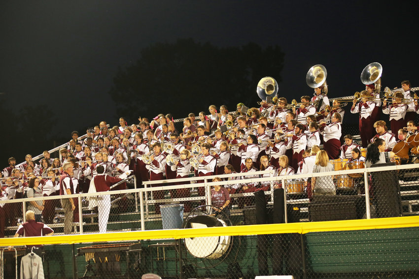 White County High School Marching Band keeps the crowd entertained. (Photo by JULIA MORRIS PHOTOGRAPHY)