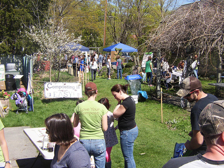The 2017 Compost Fair had beautiful weather. See and experience all things compost at the Compost Fair