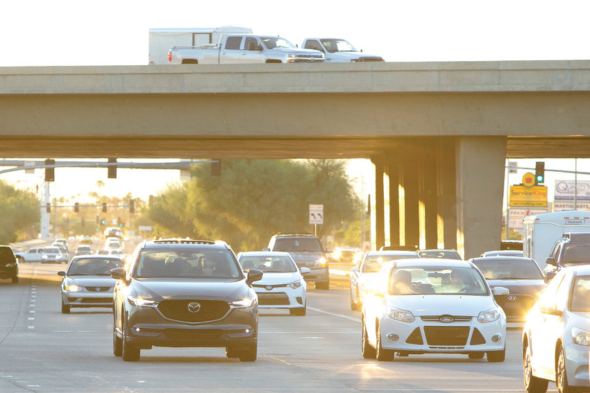 Traffic travels eastbound along Thunderbird Road on Wednesday, Oct. 3, 2018 near Loop 101 in Peoria.