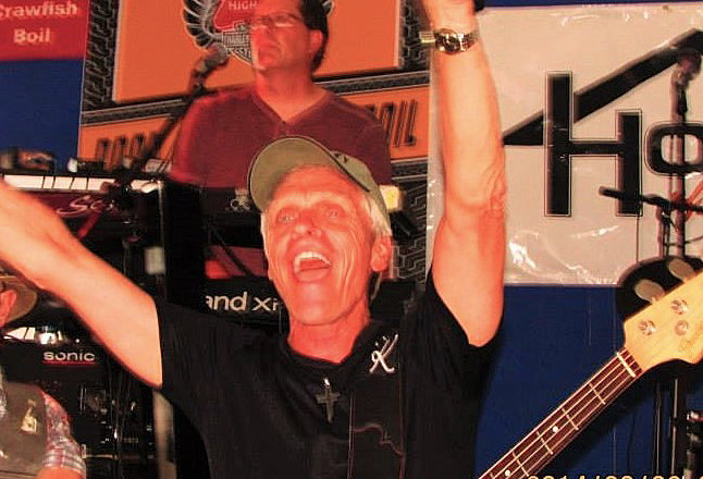 """Sun City resident Larry Kubiayk will perform his """"Back To The Beach"""" show Sept. 5 in Peoria."""