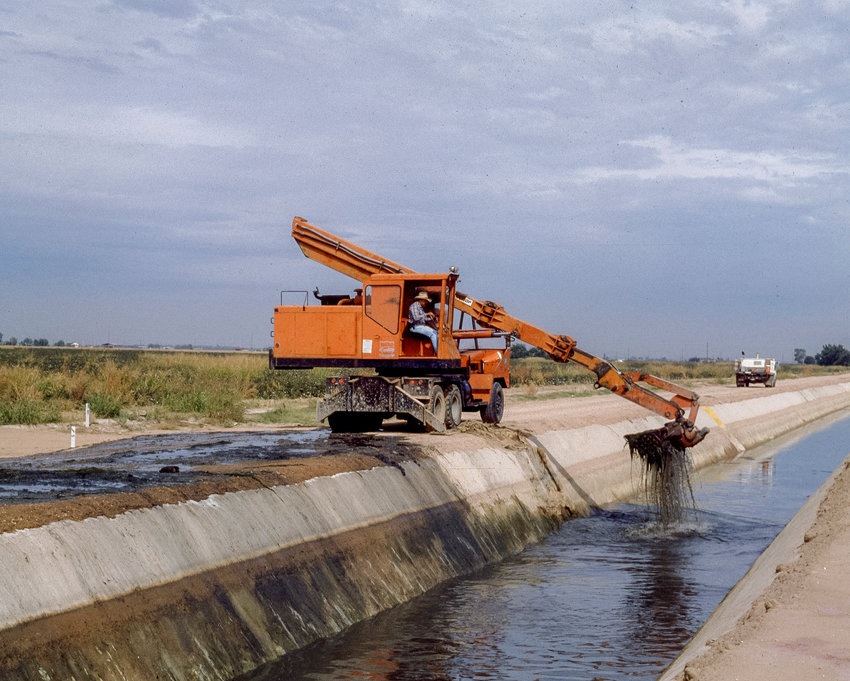 SRP is responsible for keeping its canal system in operating condition during normal water deliveries. Canal dry-ups allow SRP as well as other utilities and municipalities to perform construction and maintenance activities in and around the canals.