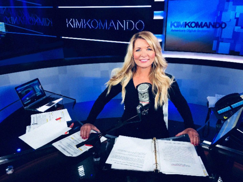Radio host and tech expert, Kim Komando will be inducted into the 2021 W.P. Carey School of Business Alumni Hall of Fame.