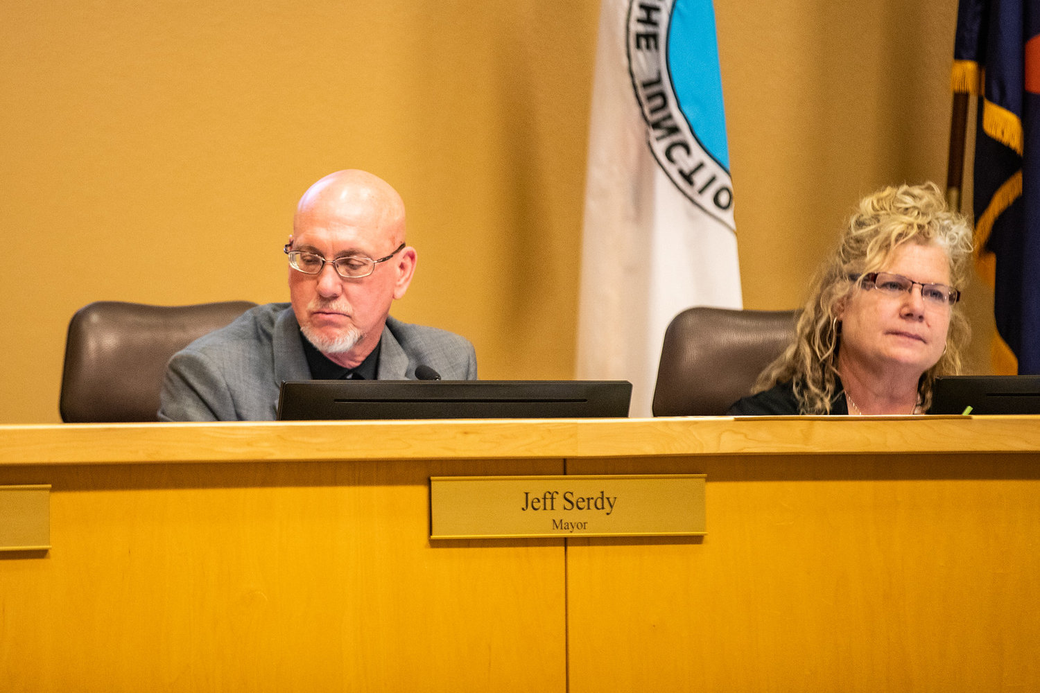 Mayor Jeff Serdy and Councilmember Christa Rizzi at a recent Apache Junction City Council meeting.