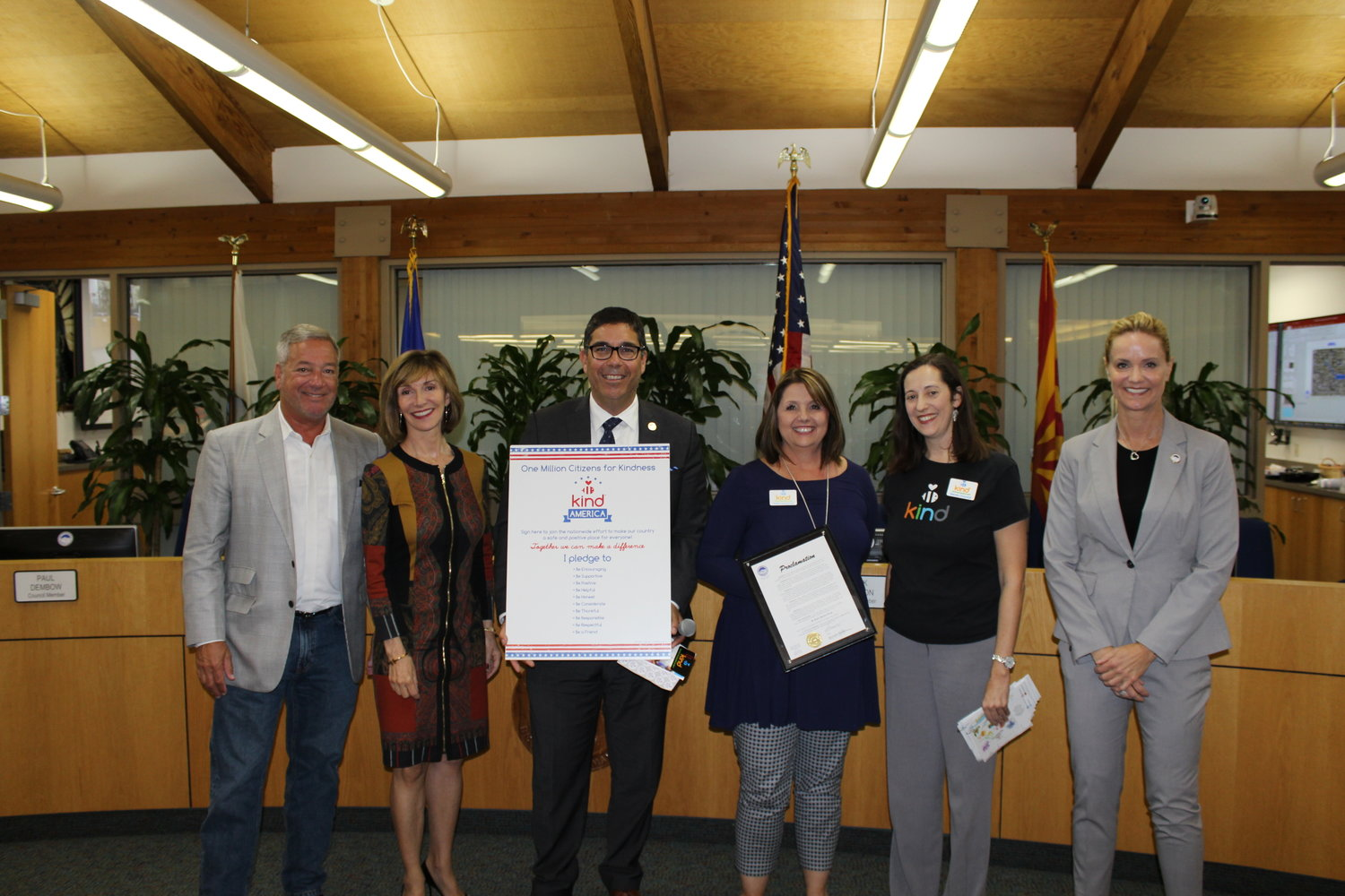 Paradise Valley and Be Kind People Project officials marked the official proclamation on Nov. 7. Pictured from left is Councilmembers Paul Dembow, Anna Thomasson, Mayor Jerry Bien-Willner, Wendy Heller Chovnick and Robin Lee-Amos, and Councilmember Ellen Andeen.