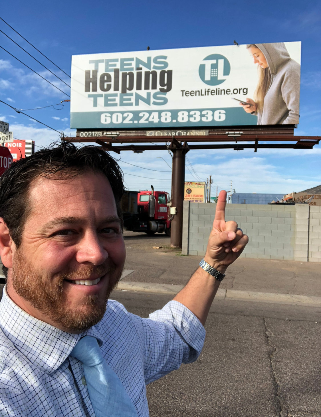 Scottsdale Realtor Jeff Fields, of Russ Lyon Sotheby's International Realty, is recognized among 10 National Association of Realtors 2020 Good Neighbor Award finalists.