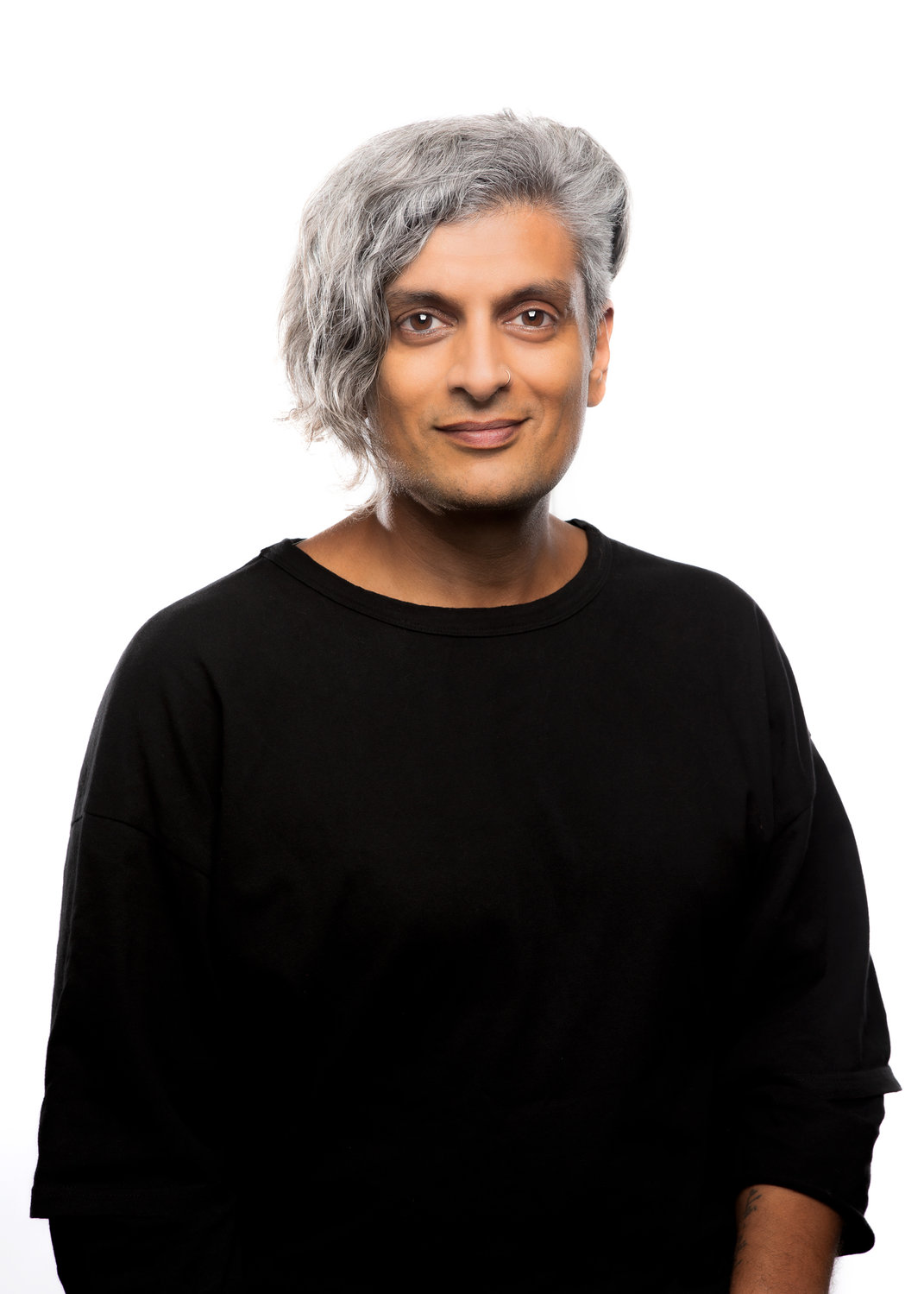 "Poet Kazim Ali will read from his new book, ""The Voice of Sheila Chandra,"" livestreamed at 5 p.m. Nov. 14 on CanalConvergence.com."